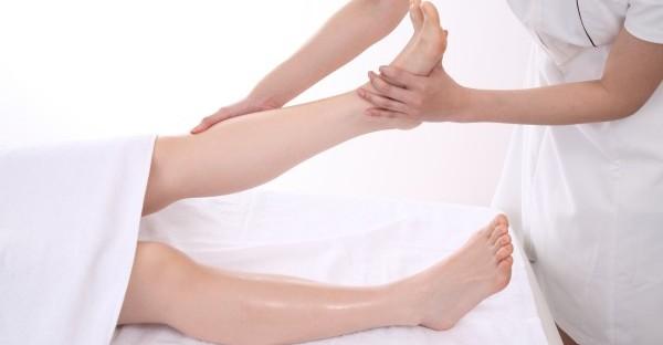 足のしびれは病気のサイン?症状から分かる7つの病名
