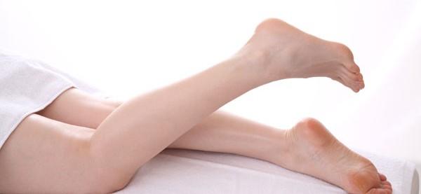 足が臭い原因を根本から解消!7つの簡単自宅ケア