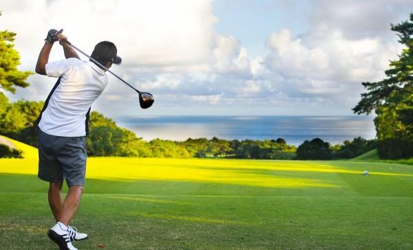 ゴルフ肘を解消!家やオフィスで出来る7つのセルフケア