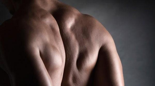 肩甲骨が痛い時に、疑うべき病とその治療法