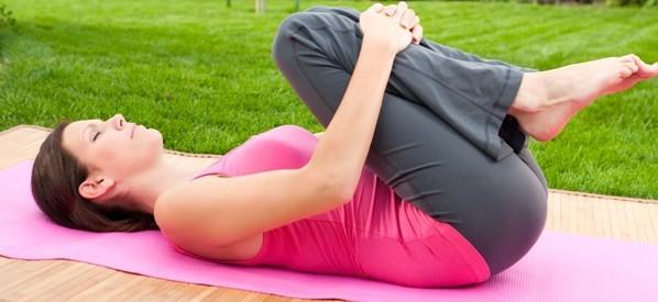 階段がキツイほど、酷い膝痛にも効く5つの効果的なストレッチ