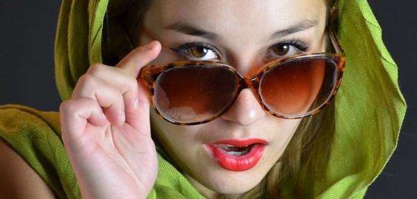 目も日焼けする!?気になるその症状と7つの予防策
