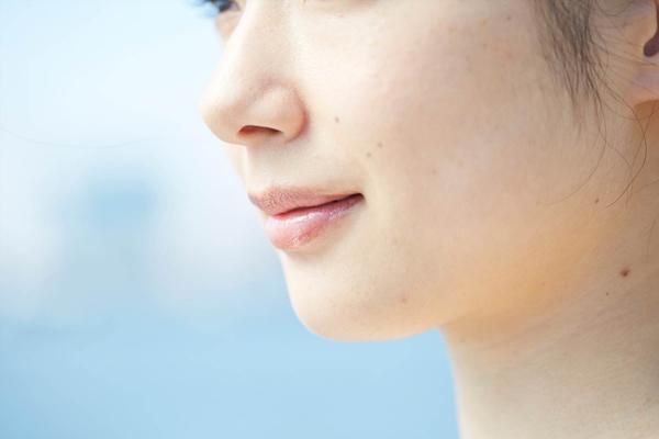 頬ニキビの原因を知ってお肌トラブルを改善するマル秘対策