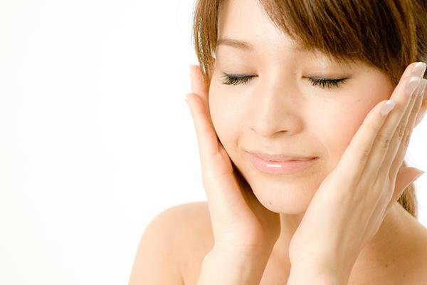 あごニキビの悩みから開放されたい!肌質改善4つのケア法