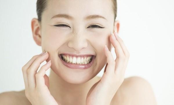 あごにきびの原因はホルモンバランス?内側から治す方法