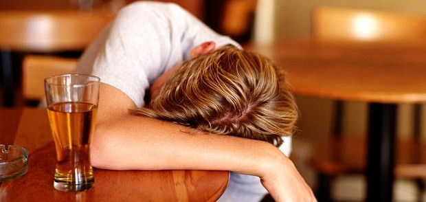 アルコールの飲み過ぎで頭痛になった時の6つの解消法
