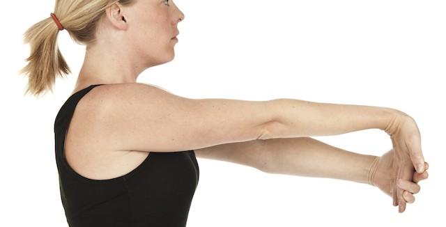 肘の痛みがなかなか治らない時に自分でできるリハビリ術