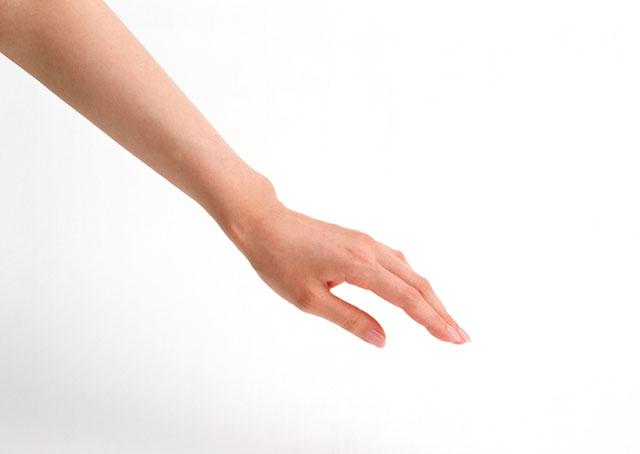 手のしびれの原因は?放置してはいけない病気の兆候
