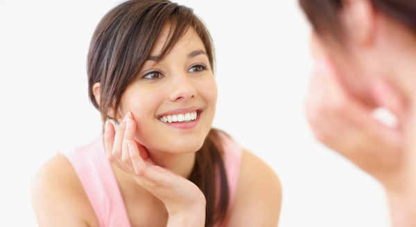 かんたん笑顔トレーニングでスマイル美人になる方法