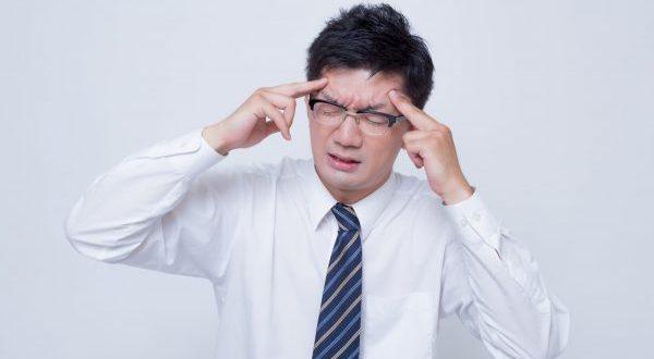 こめかみの頭痛がする時の原因と7つの対処法