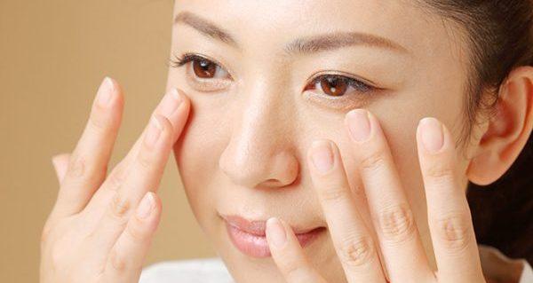 目の下のたるみ解消に効果大!5分でできる顔ストレッチ