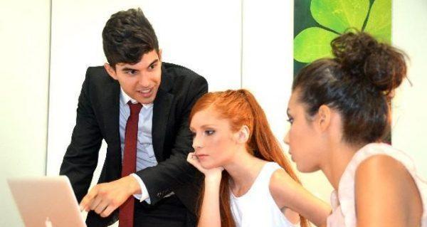 嫌いな人との接し方を学び円満な仕事環境をつくるポイント