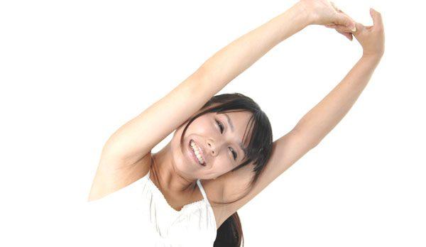 姿勢を良くする方法をつかって健康を増進するコツ