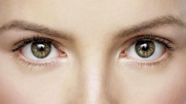 目の下のたるみ解消に即効く、5つの表情筋トレーニング