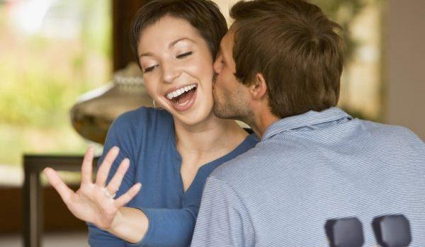 彼女と結婚したい人必読の、知っておきたい婚約の進め方