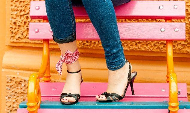 足首を細く見せるファッションで簡単に美脚をつくるコツ♪
