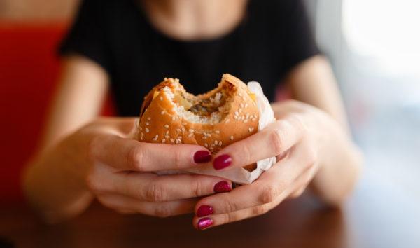 ストレスからくる過食を防止して健康を維持する為に必要な事