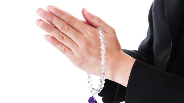 お通夜での数珠の扱い方を知って不作法を避けるコツ