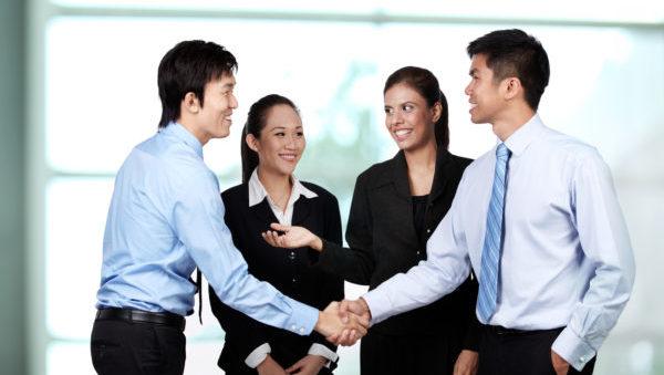 社会人になったら知っておきたい5つのビジネスマナー