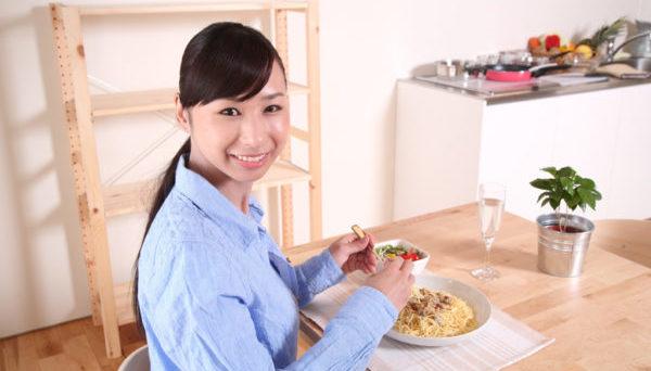 無理なダイエットを防止して健康を維持するご飯の食べ方