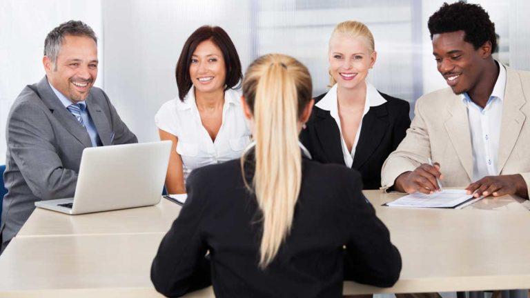 就職の面接で成功する